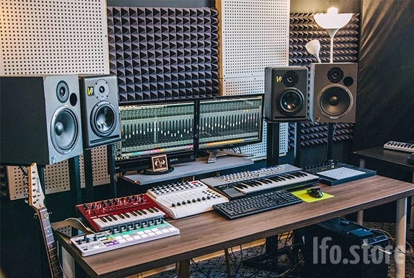 stereoschool-studio-1-604x406