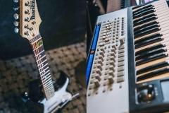 stereoschool-studio-guitar-604x406